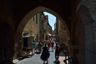 DSC_6750_4631 - Noli - Narrow street of the historic center - Stradina del centro storico.
