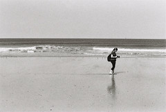 Mathilde. (Nicolas Fourny photographie) Tags: canon 50e 50mm 35mm model beauty grain analogcamera film filmisnotdead blackandwhite noiretblanc beach sea naturallight spring photographer