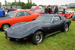 1975 Chevrolet Corvette Stingray (Davydutchy) Tags: hoornsterzwaag fryslân friesland frisia frise nederland netherlands niederlande paysbas holland oldtimer event evenement festival classic klassiker klassiek veterán car vehicle voiture auto automobile automobiel bil avto show chevrolet chevy corvette vette stingray usa american musclecar may 2018