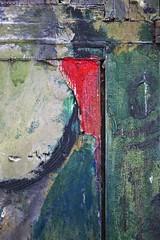Gestion de crise (Gerard Hermand) Tags: 1708229474 gerardhermand france paris canon eos5dmarkii courbevoie volet shutter bois wood peinture paint planche board couleur color abstrait abstract abstraction