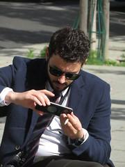 Business man (Toni Kaarttinen) Tags: man guy beard suit businessman business phone parís paris parizo pariisi párizs parigi パリ parijs paryż париж 巴黎 frança frankreich francio francia ranska france צרפת franciaország フランス frankrijk francja franţa франция frankrike 法國 iledefrance parisian