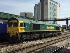 Hanjin Express 66533 (anthonymurphy5) Tags: freightliner wales cardiff trainphotography hanjinexpress 66533 cardifftrainstation 180518 trainpictures outside transport