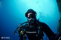 Selfie (2uc4 4bb4t3) Tags: bubbleloungediving fisheye io selfie grottadeigamberi diving underwater dive lucaabbate sea mediterraneansea scuba ampportofino abyss blue ocean animal mare sub 2uc44bb4t3 d7000 nikon hugyfot 水肺 水肺潛水 скуба дайвинг