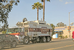 Edco Truck 5-30-18 (1) (Photo Nut 2011) Tags: california sanitation wastedisposal junk garbage trash truck garbagetruck trashtruck refuse sandiego edco m459 escondido