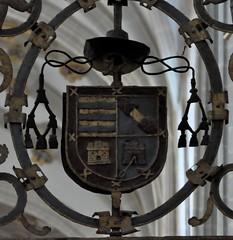 Astorga (León-España). Catedral. Reja del Coro. Escudo del obispo Mexia de Tovar (santi abella) Tags: astorga león castillayleón españa catedraldeastorga heráldica escudos