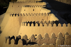 The walls of the old town of Khiva at sunset (Roberto Bendini) Tags: uzbekistan centralasia asia asiacentrale canon khiva samarkand bukhara tashkent aral sea desert cotton islam sovietunion soviet