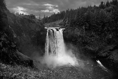 A Grassy Meadow to Complete a Setting of Snoqualmie Falls (Black & White) (thor_mark ) Tags: 268waterfall 268footwaterfall azimuth162 blackwhite buildings capturenx2edited cliffwall cloudy colorefexpro day2 grassgrowingoncliffwall grassyarea grassyfield grassymeadow grassymeadowinforeground hillsideoftrees hotel landscape lodge lookingsouth moonthetransformer mostlycloudy nature nikond800e outside overcast project365 river salishlodge salishlodgespa snoqualmiefalls snoqualmieriver trees triptonorthcascadesandwashington twinpeakstvshow walkaroundsnoqualmielowerfalls waterfall waterfalls snoqualmie washington unitedstates