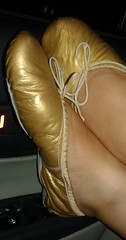 Gigi (2659) (Duke of Slippers) Tags: ballet slippers shoes flats pumps footwear fetish scarpe ballerines ballerinas pantoufles pantofole chaussures souliers