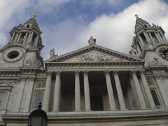 St Paul's Cathedral (Rckr88) Tags: st pauls cathedral stpaulscathedral london unitedkingdom united kingdom england europe church churches ancient travel travelling columns column architecture