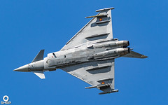 Poznan Airshow 2018 Sunday (239 of 468) (SHGP) Tags: poznan poland polish air show airshow aircraft aviation world war 2 two ii display shgp steven harrisongreen photography canon eos 700d 7dmk2 sigma 150500mm racer plane race outdoor vehicle airplane sunset spitfire heritage warm sky awesome fly cockpit airliner aeroplane antanov an2 helicopter one 1 triplane fokker cac boomerang yak 11 3 moon red barron biplane jet stunt aerobatic ef2000 typhoon spanish eurofighter