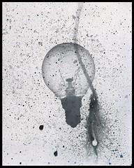 SENSSOGRAFIA DIA 2 00000007 negativo (Arthur Pontes) Tags: senssografia lâmpada luz papelfotográfico darkroom quimica quimigramas light lamp pb negativo ampliador