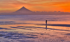 dangerouse beauty ... (Ca_500000) Tags: philippines phillipines catanduanes sanandres mount mayon sunset vulkan