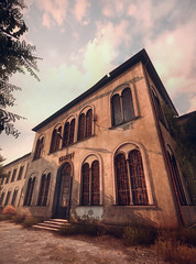 two years, and counting (Rakkhive) Tags: screenshot screenarchery videogamephotography gamephotography thetownoflight townoflight asylum abandoned derelict oldbuilding atmospheric madness insanity walkingsimulator reshade