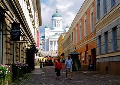 HELSINKI, LA DAMA DEL NORTE (marthinotf) Tags: helsinki finlandia nortedeeuropa catedralluterana callecomercial vistadehelsinki marbaltico finland