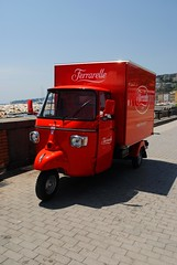 Ferrarelle red truck (zawtowers) Tags: naples napoli campania italy italia may 2018 summer holiday vacation break warm dry sunny thursday 31 world pizza championship campionate mondiale del pizzaiuolo seafront seaside beach ferrarele red truck mineral water drink