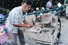 Key Master (valerius94) Tags: streetphotography street hadong rushhour city hanoi vietnam people cars bikes