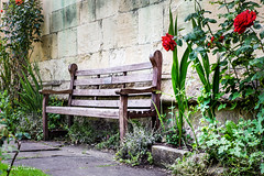 2018-06-10-newbury-bench-at-the-church-IMG_0228 (Russ Thorne Art Photography) Tags: newbury england park bench garden