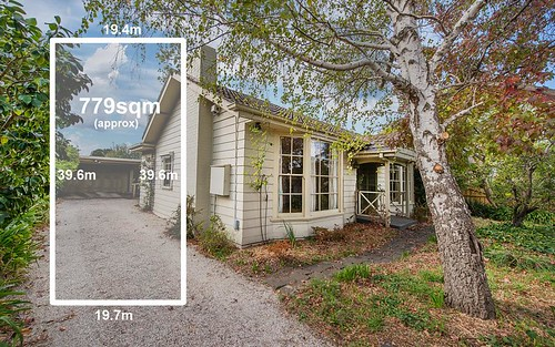 35 Kemp Av, Mount Waverley VIC 3149