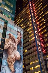 Ernst & Kong (mic00l) Tags: 50mm f14 newyork nuit printemps timessquare étatsunis us canon eos 6d candid street shot night