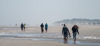 People vanish in the haze / Langeoog