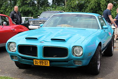 1970 Pontiac Firebird Formula 400 (Davydutchy) Tags: vroem joure fryslân friesland frisia frise oudemirdum hegegerzen rit ride tocht toertocht ausfahrt fahrt classic car oldtimer klassiker veterán vehicle voiture pkw avto bil auto automobiel automobile break pauze pause american usa 1970 pontiac firebird formula 400 musclecar june 2018
