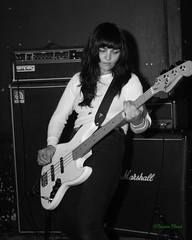 Putzfrau, Black Water Bar, Portland, OR, 6-16-2018 (convertido) Tags: black water bar portland or olympia wa washington oregon melbourne australia punk hc hardcore noise dbeat west coast tour nw northwest june 2018 putzfrau nasti geld long knife