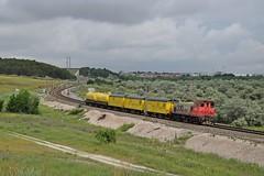 Rojo, amarillo y verde (rubiogg4) Tags: adif tren valdemoro ciempozuelos bolitas airon 310 310001 rojo gris herbicida ferrovial villaverde albacete