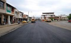 Colocación de asfalto en Av Eloy Alfaro desde el Puente Otto Arsemena (gadchone20092014) Tags: colocación asfalto eloy alfaro desde puente otto arsemena