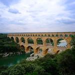 Pont du Gard et le Gardon thumbnail