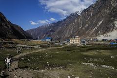Dorf Langtang (Henry der Mops) Tags: 90a7289 langtangnationalpark landschaft berge berglandschaft mountain mountainlandscape nepal nebel stupa asien asia canoneos7dmarkii henrydermops mplez