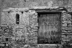 Closed (AlfBG) Tags: mirambel teruel aragón spain maestrazgo a6000 samyang12f2 samyang35mmf28 prime lenses doorknock