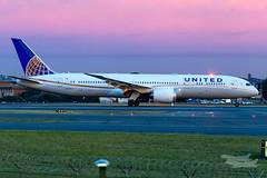 N27964 UA B789 34L YSSY-0604 (A u s s i e P o m m) Tags: united ual ua boeing b789 syd yssy sydneyairport mascot newsouthwales australia au
