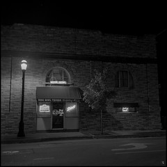 Home of Country Music (argentography) Tags: urbana illinois midwest rolleiflex k4a ilford hp5 monochrom rosebowltavern countrymusic