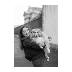 ... (jcois.) Tags: pentax portrait streetportrait street photography dog chien regard blackwhite bw noirblanc nb monochrome monotone pet animal telmaître