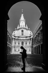 Roma - 2017 (Enzo D.) Tags: biancoenero blackandwhite santivoallasapienza streetphotography 2017 candid courtyardcortile italia italy olympus roma rome silhouette wwwenzodemartinocom lazio it