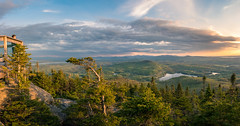 Mont Orford (MacMyc) Tags: mont orford coucherdesoleil panorama printemps spring lookout pointdevue canon80d tokina 1116 raw lightroom sunset canada quebec breathtakinglandscapes