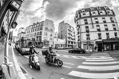 IMG_3142 (::nicolas ferrand simonnot::) Tags: samyang 8 mm f35 aspherical if mc fisheye 2010s | 6 blades aperture canon ef mount paris 2018 streetphotography street photography underground noise ultra wide angle building sky architecture cloud korean korea prime manul fixed length focal black white bw blackandwhite monochrome route personnes ciel bâtiment voiture
