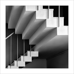 Graons / Steps. (ximo rosell) Tags: ximorosell bn blackandwhite blancoynegro bw buildings escales squares stairs llum luz light arquitectura architecture abstract abstracció nikon d750