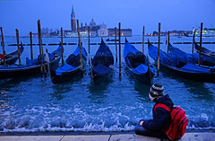 Gondola (MelindaChan ^..^) Tags: italy 意大利 venice 威尼斯 gondola boat water canal canalgrande transport trrafic chanmelmel mel melinda melindachan heritage history life ride tourist sunset dusk evening