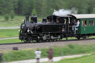 Rhätische Bahn RhB Dampflokomotive G 3/4 11 mit Taufname Heidi ( Hersteller SLM Nr. 1476 - Baujahr 1902 - Gehört Club 1889 - Dampflok Lokomotive Triebfahrzeug ) mit Dampfzug bei Pontresina im Engadin im Kanton Graubünden - Grischun der Schweiz