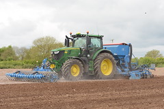 John Deere 6215R Tractor with a Lemken VarioPack Front Press, a Lemken Solitair 9 Seed Drill & Power Harrow (Shane Casey CK25) Tags: john deere 6215r tractor with lemken variopack front press solitair 9 seed drill power harrow jd green onepass one pass fermoy traktor trekker traktori tracteur trator ciągnik spring barley sow sowing set setting drilling tillage till tilling plant planting crop crops cereal cereals county cork ireland irish farm farmer farming agri agriculture contractor field ground soil dirt earth dust work working horse horsepower hp pull pulling machine machinery grow growing nikon d7200