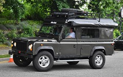 Land Rover Defender with Alu-Cab lift-up roof conversion (Custom_Cab) Tags: land rover defender 110 one ten oneten station wagon 1993 1994 1995 1996 1997 alucab alu cab liftup lift up roof camper conversion top rv recreational vehicle tdi landrover 4x4 4wd 4 four wheel drive estate pop popup truck