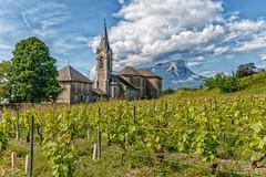 Église de Chignin (Savoie - 05/2018) (gerardcarron) Tags: canon80d chignin church ciel cloud eglise landscape nature paysage printemps savoie vigne