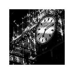 (schan-photography.com) Tags: bw blackandwhite monochrome canoneos5dmarkii canonef24105mmf4lisusm canon 5dii 24105mm f4 london clock time stpancrasstation