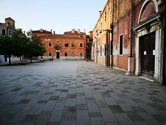 2018-05-FL-187975 (acme london) Tags: 2018 floor flooring italy pattern publicspace rough stonefloor stonepaving venice
