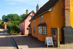 High Street @ Kersey Village (Adam Swaine) Tags: kersey suffolk suffolkvillages cottages cottagerow villagecottage england english englishvillages britain british eastanglia beautiful tourism colours uk ukcounties ukvillages street summer 2018
