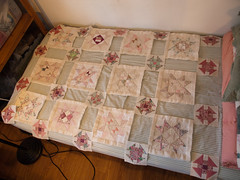 PC140006 (MizGingerSnaps) Tags: 2017 churndashscrappystars december fmq fmqpractice qayg virginia williamsburg domesticmachinequilting freemotionquilting layout pullingpracticeblocks quiltasyougo quilting sewingprojects winter workshopprep usa