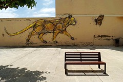 El banco (Helena de Riquer) Tags: penelles lanoguera provinciadelleida banc banco bench graffiti pintada grafiti gat gato cat chat gatto 猫 着座ベンチ 落書き papallona mariposa butterfly arte art streetart shadows sombras arteurbano flickr 2018 helenaderiquer mural sony sonydschx300 carlzeiss