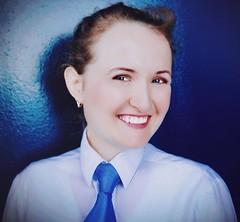 Elena W (bof352000) Tags: woman tie necktie suit shirt fashion businesswoman elegance class strict femme cravate costume chemise mode affaire
