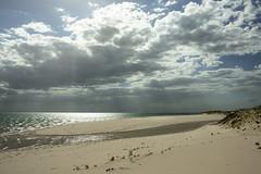 Isla desierta (Txaro Franco) Tags: bazaruto mozambique ĺndico océano ocean mar sea itsasoa playa hondartza plage beach áfrica afrika isla archipiélago irla mnw